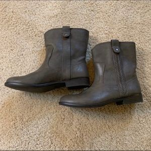 Bass Cindy Ankle Boot Brown Gray EUC